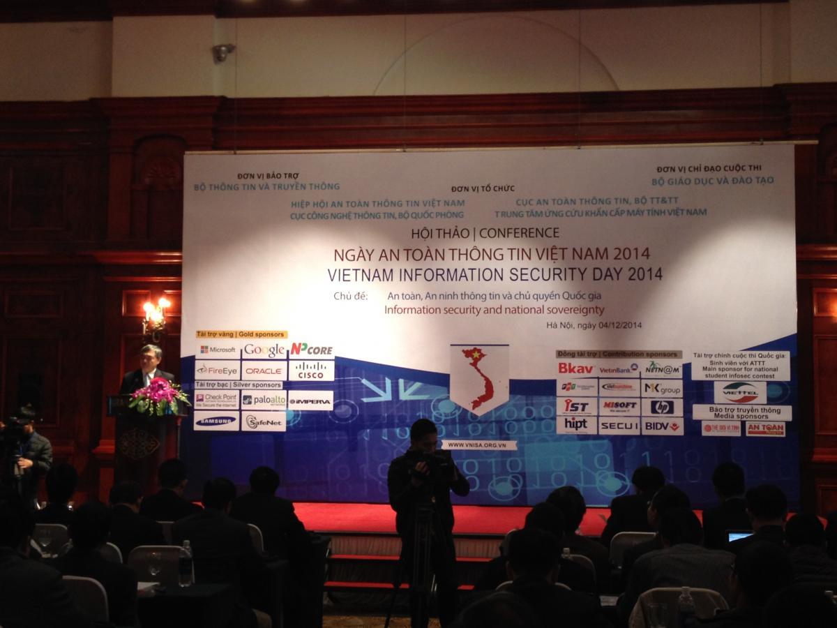 """VNNIC tham gia sự kiện """"Ngày An toàn thông tin (ATTT) Việt Nam"""" năm 2014 (04/12/2014)"""
