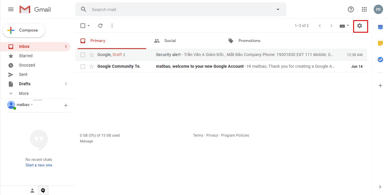 Khi đang ở giao diện của Gmail, bạn hãy click vào mục Bánh răng